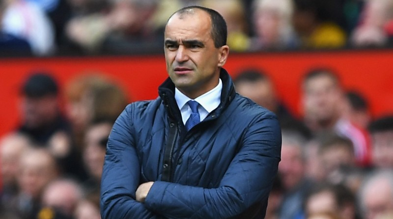 MANCHESTER, ENGLAND - APRIL 03:  Roberto Martinez manager of Everton looks on during the Barclays Premier League match between Manchester United and Everton at Old Trafford on April 3, 2016 in Manchester, England.  (Photo by Shaun Botterill/Getty Images)