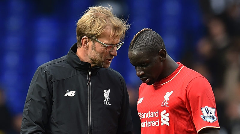 LONDON, ENGLAND - OCTOBER 17:  (THE SUN OUT, THE SUN ON SUDNAY OUT) Jurgen Klopp manager of Liverpool talks with Mamadou Sakho at the end of the Barclays Premier League match between Tottenham Hotspur and Liverpool at White Hart Lane on October 17, 2015 in London, England.  (Photo by Andrew Powell/Liverpool FC via Getty Images)
