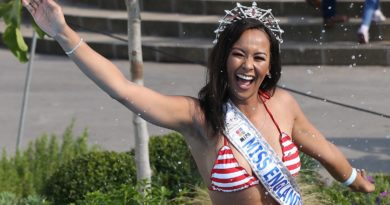 Miss England makes a splash at Southport Flower Show