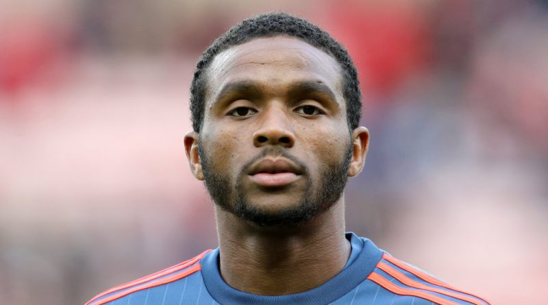 Everton sign former Southampton defender Cuco Martina