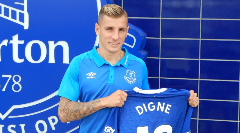 Lucas Digne urges Yerry Mina to join him at Goodison Park